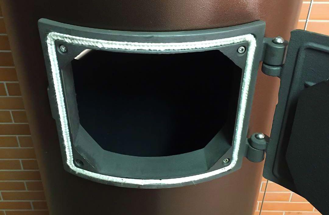 Чугунный теплообменник модели LIEPSNELE L20U в стальном корпусе