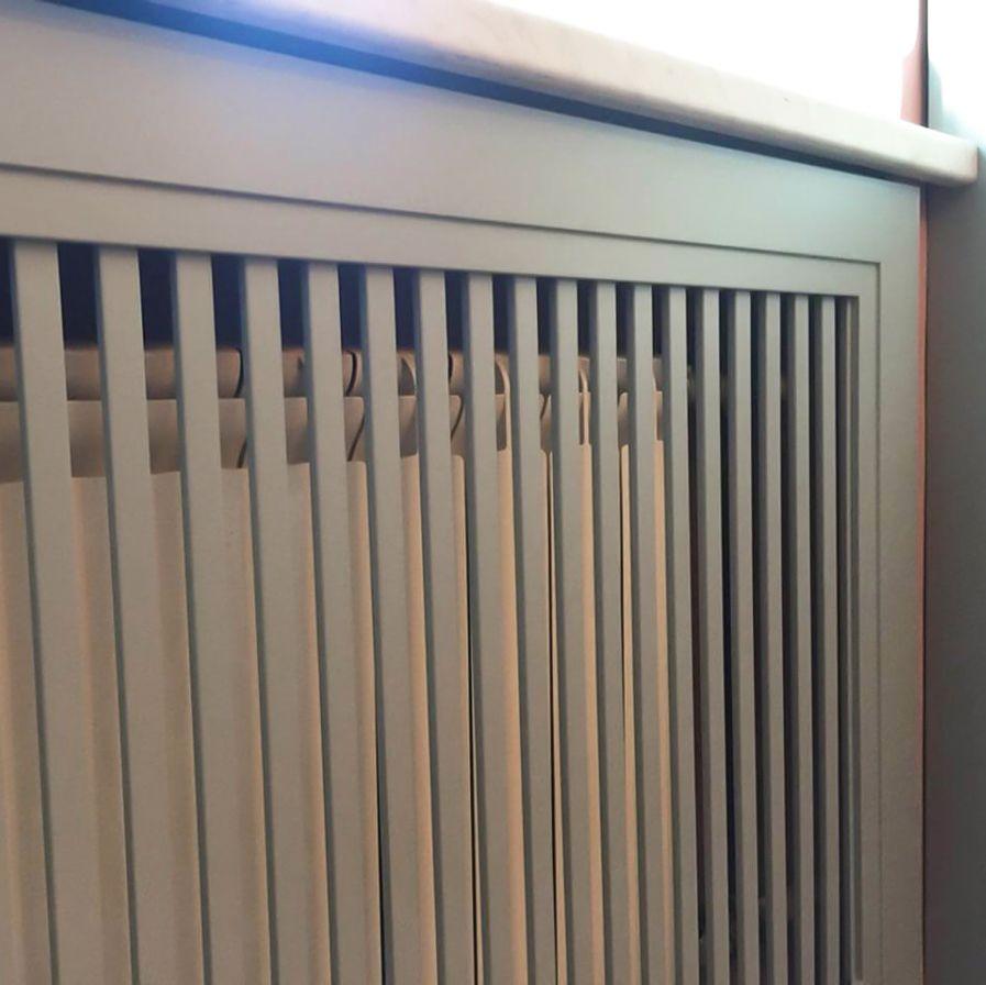Деревянный экран на батарею отопления_4